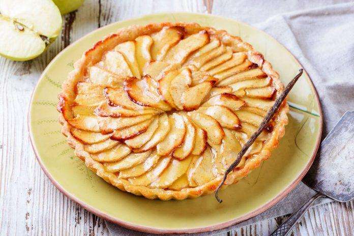 کیک پای سیب خوشمزه