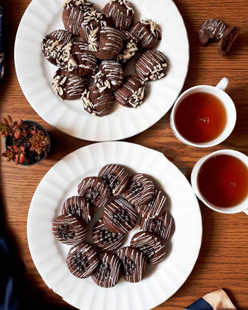 کوکی شکلاتی ترک خورده