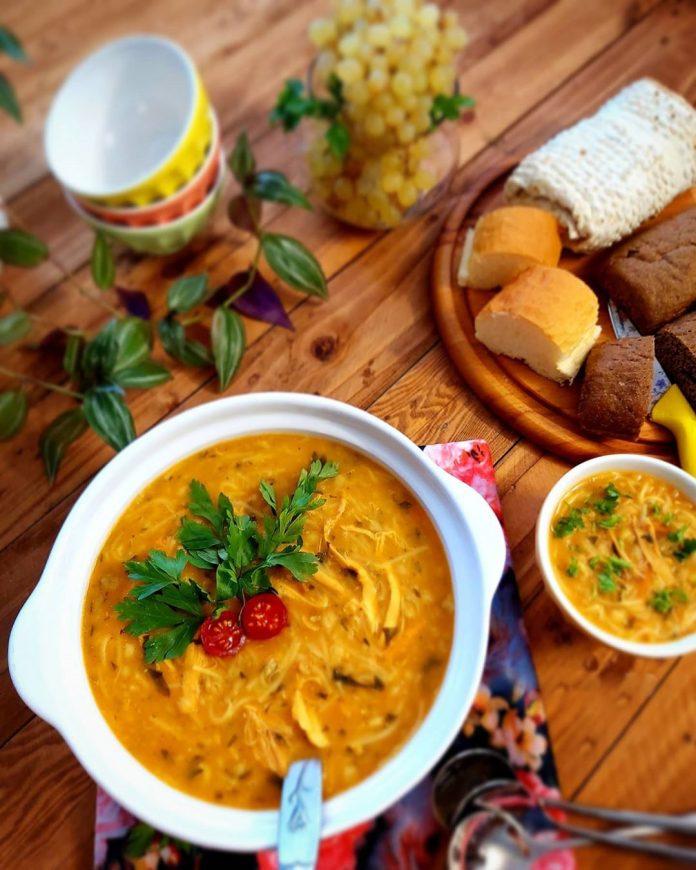 طرز تهیه سوپ مرغ و جعفری