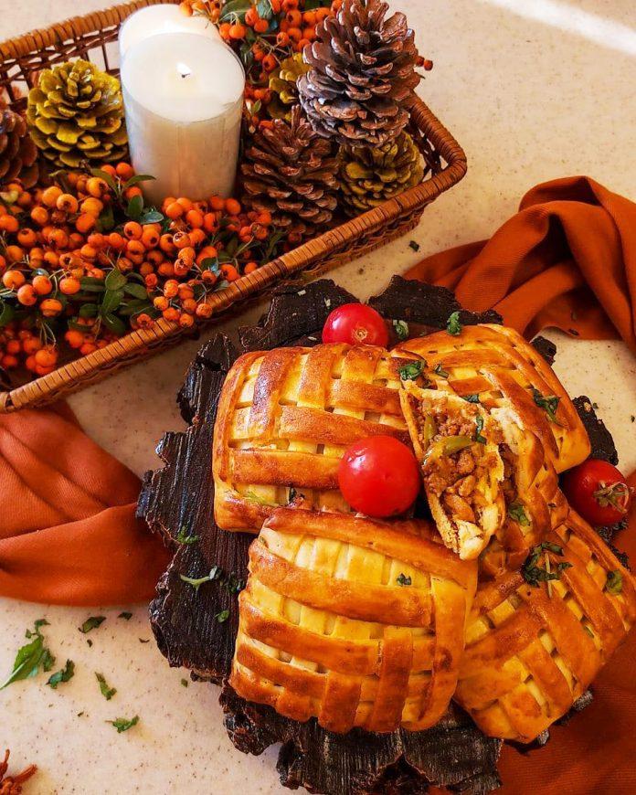طرز تهیه و دستور پخت اشترودل گوشت و قارچ