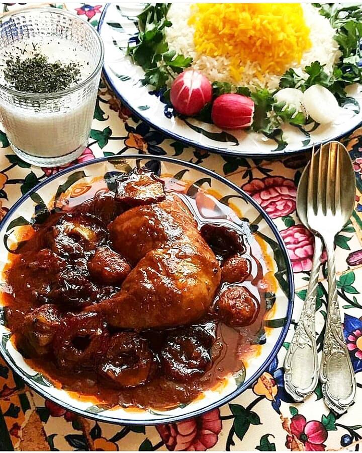 طرز تهیه خورشت الو بخارا با مرغ