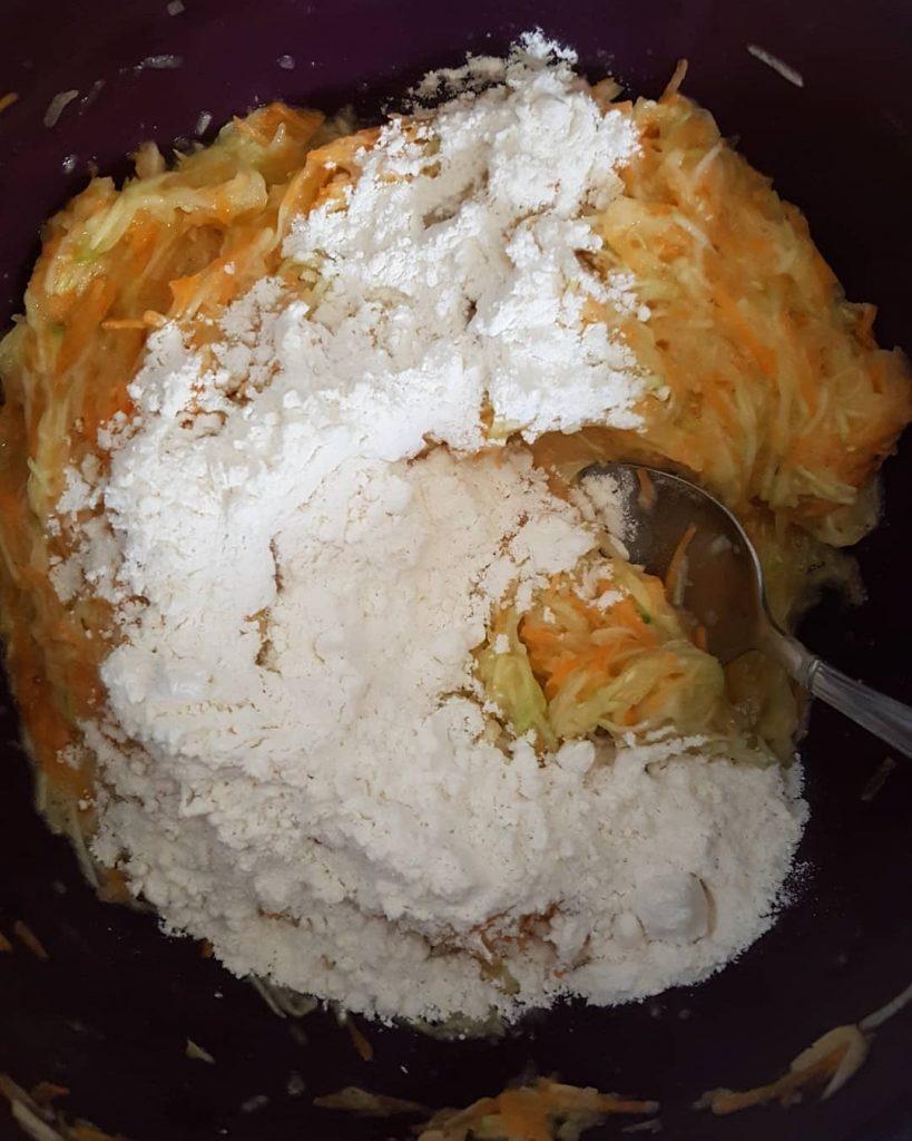 طرز تهیه کوکوی کدو سبز و هویج