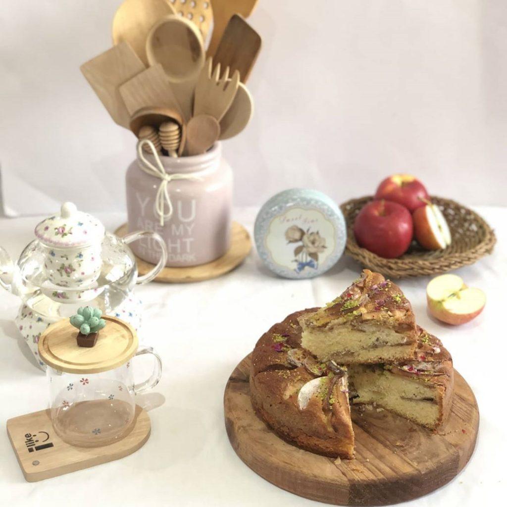 کیک پای سیب و دارچین