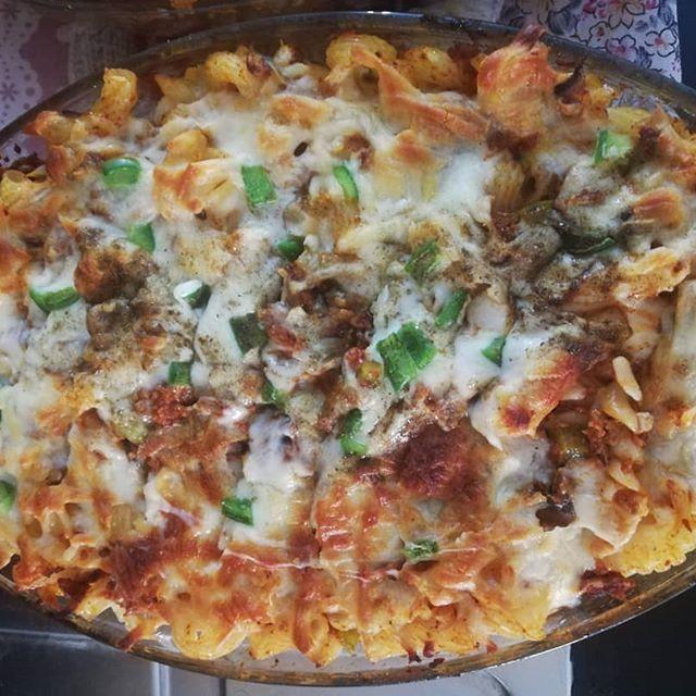 طرز تهیه و دستور پخت ماکا رونی پیتزائی