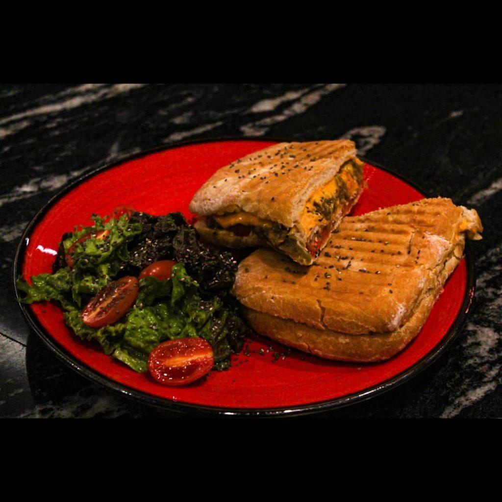 پنینی مرغ ایتالیایی