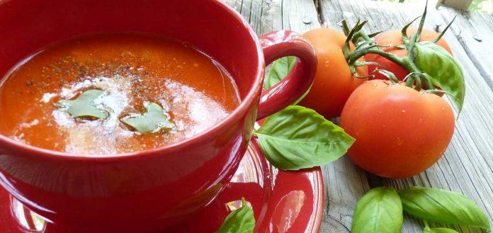 گوجه خورشت مازندرانی
