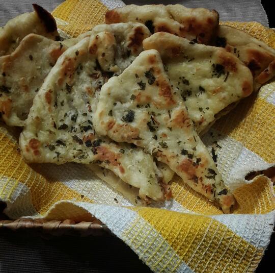 طرز تهیه نان هندی ماهی تابه ای