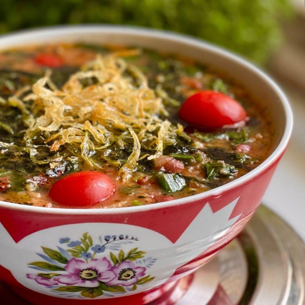 طرز تهیه آش گوجه فرنگی
