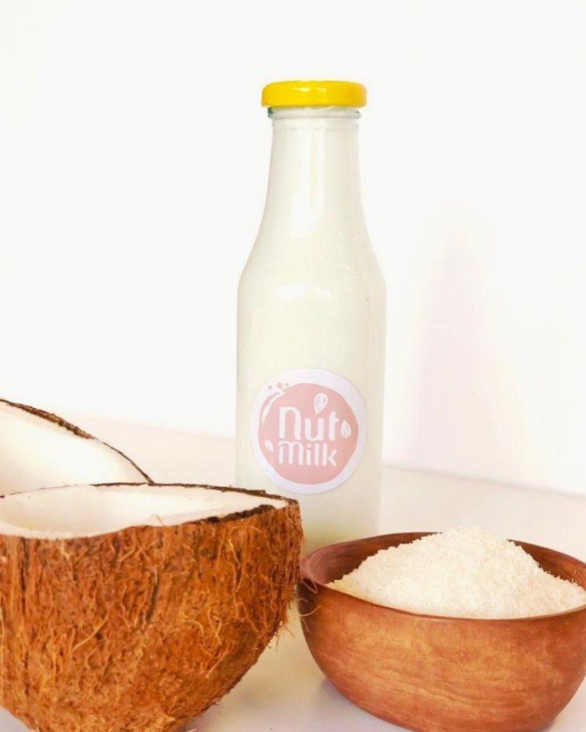 طرز تهیه شیر نارگیل