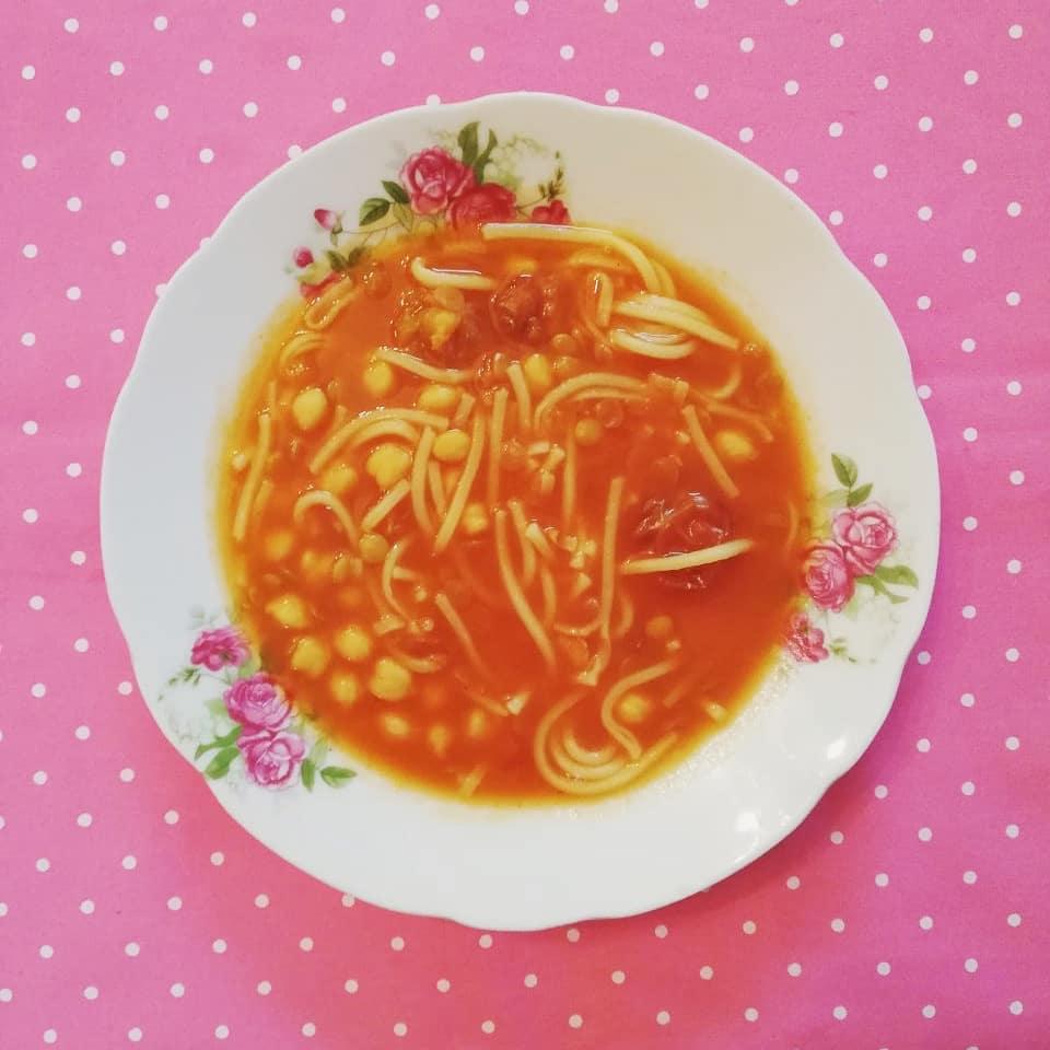 طرز تهیه آش آلو و گوجه