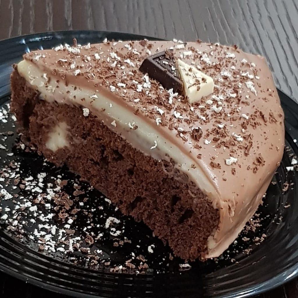 طرز تهیه کیک خیس با محلبی