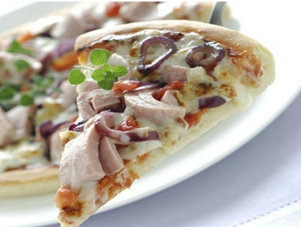 طرز تهیه پیتزای ماهی